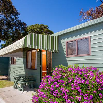 BIG4 Whiters Holiday Village Accommodation Hibiscus 900px Oct 18 01 5